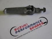 Suzuki GSXR600/750 Srad Original RH Foot Peg Assy